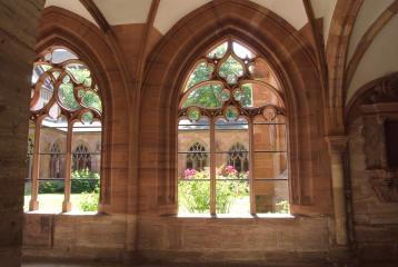 Rozen en de Kloostergang