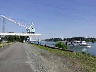 De Rijn met NL vakantieboot